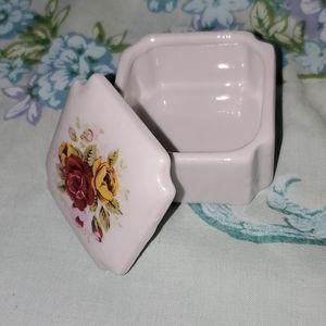 Jewelry & Trinket Box Victorian Red Rose Pattern